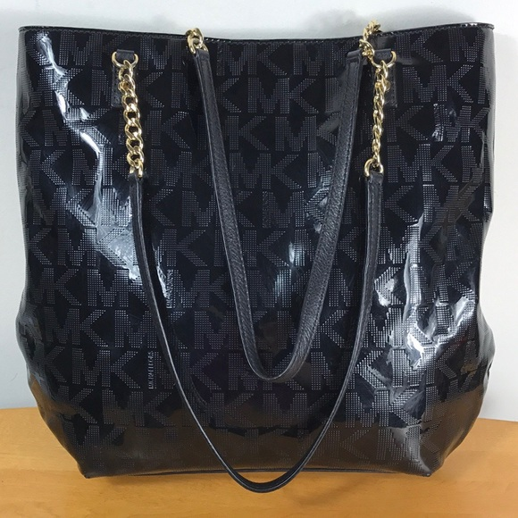 27373081f0ec Michael Kors 🌺 Black Patent Leather Tote Bag. M_5a9e2b398af1c50f5f15b91f